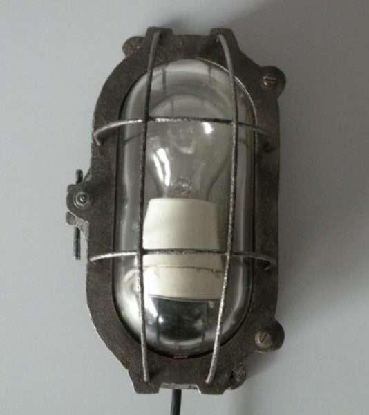 Bunkerlamp uit dresden 3