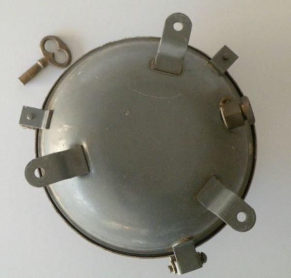bunkerlamp met sleutel achterkant