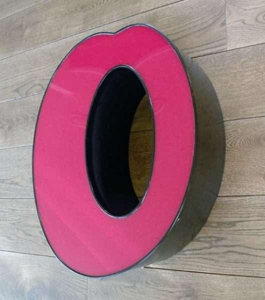 rood met zwart letterlamp o 2
