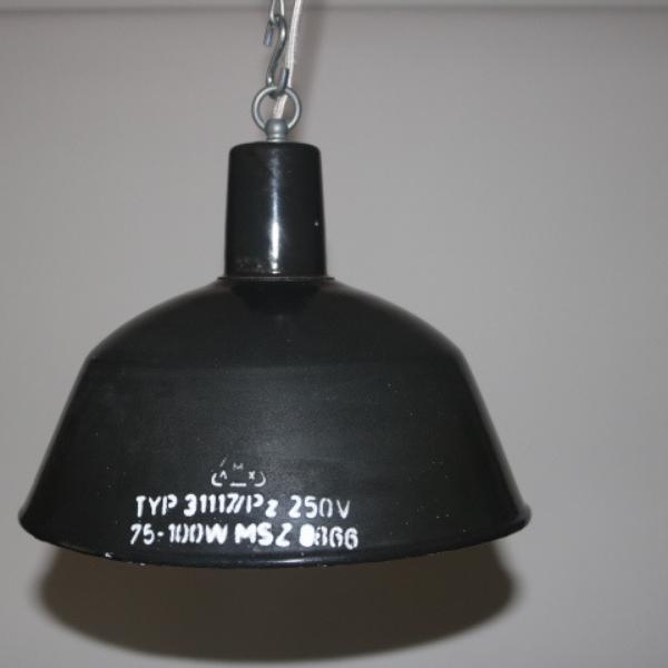 zwart emaille hanglamp 01