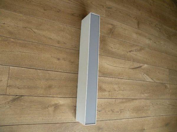 letterlamp wit met grijs i of l zijkant 2