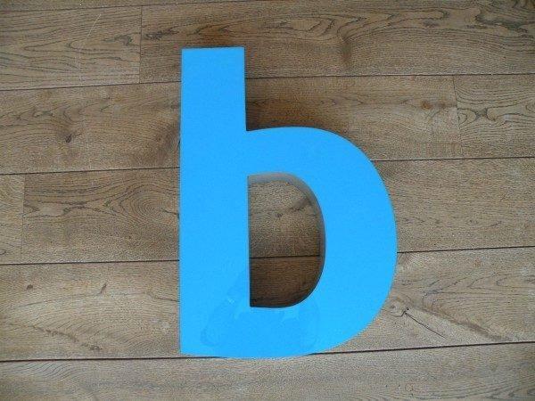 Letterlamp blauw b voorkant xl