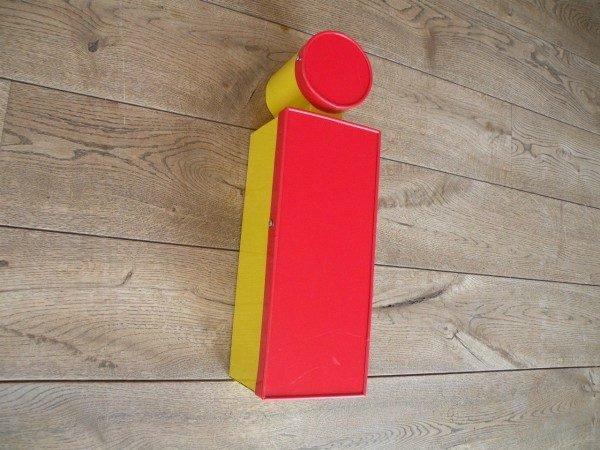 Letterlamp rood geel i zijkant 2