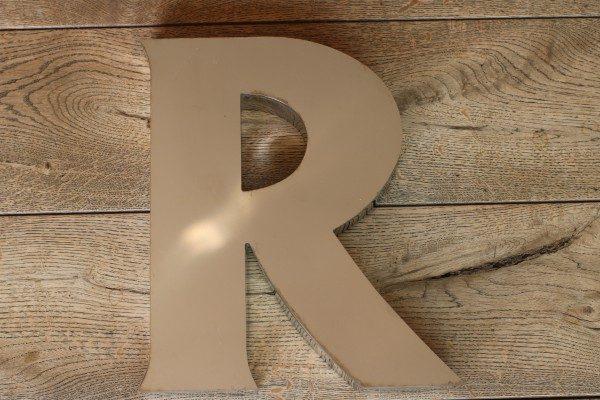 backlit rvs letterlamp R 1