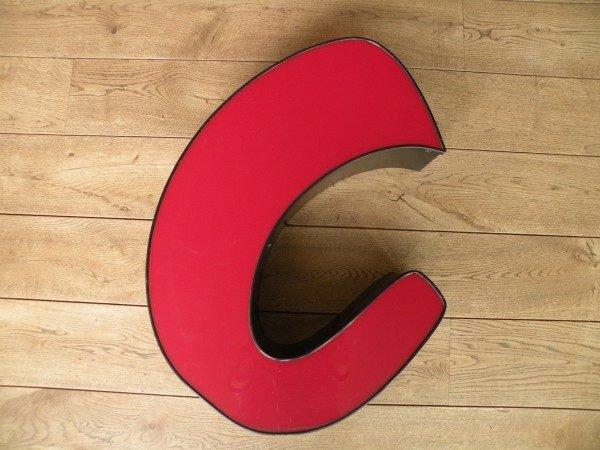 rood zwart letterlamp C 1