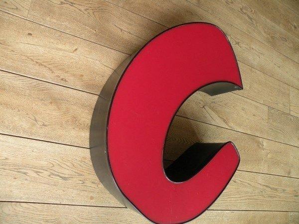 rood zwart letterlamp C 3