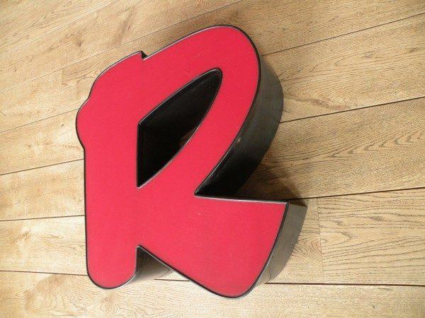 rood zwart letterlamp R 2