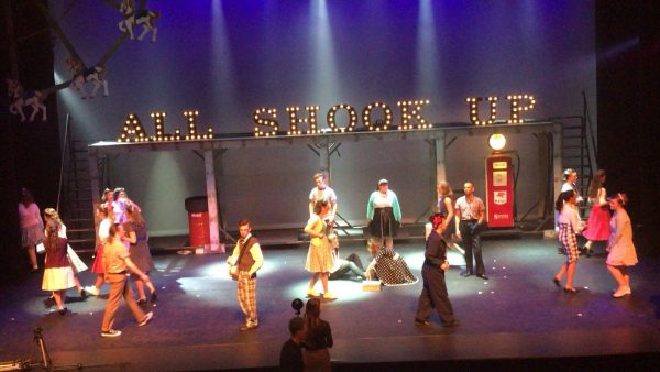all shook up uitvoering