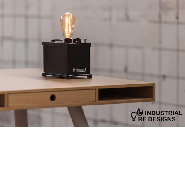 philips-tafellamp-bureaulamp-bakeliet-LEDlamp-uniek-01