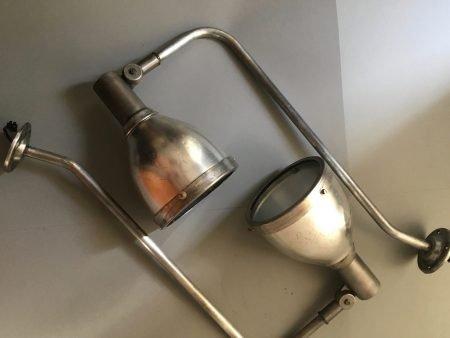 paar industriele wandlampen 11