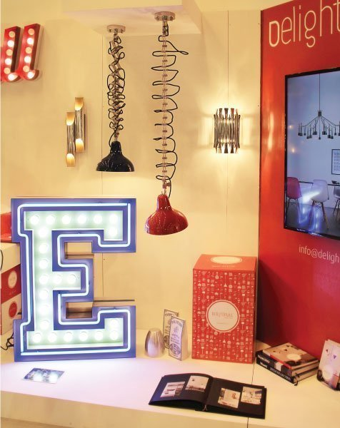 Delightfull letterlamp E in situ