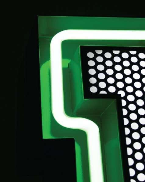 Delightfull letterlamp T detail 2