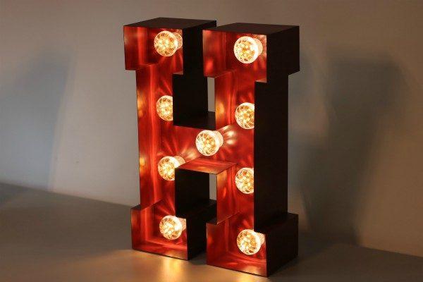 Plaatstalen letterlamp BINK lampen