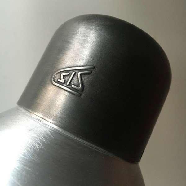 Sis bauhaus bureaulamp BINK lampen 02 detail kap