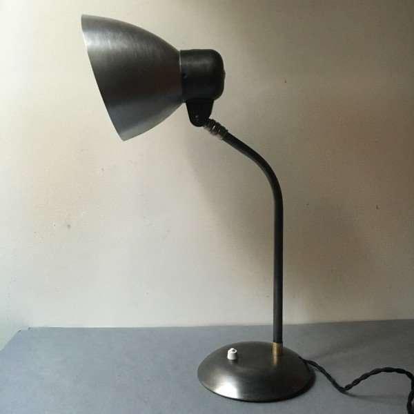 Sis bauhaus bureaulamp BINK lampen 9 detail kap