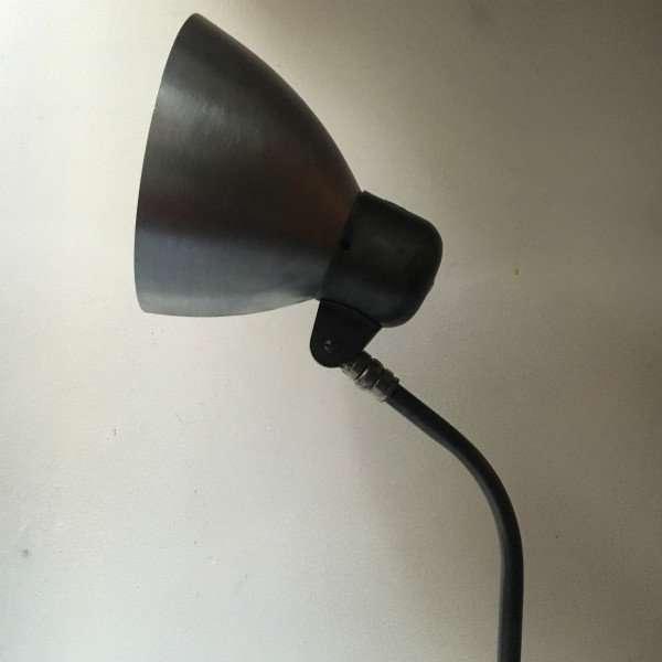 Sis bauhaus bureaulamp BINK lampen10 detail kap