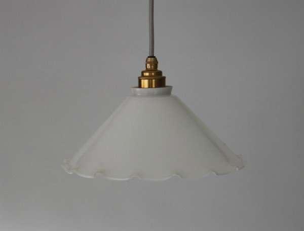 Opaline-melkglazen-hanglamp-wit-BINK-diameter-25-cm-01
