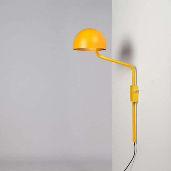 geel-goud-officer-wandlamp-BINK-lampen-Re-Volt