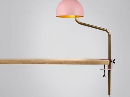 roze-goud-tafelklem-klemlamp-officer-revolt-BINK-leiden-lamp