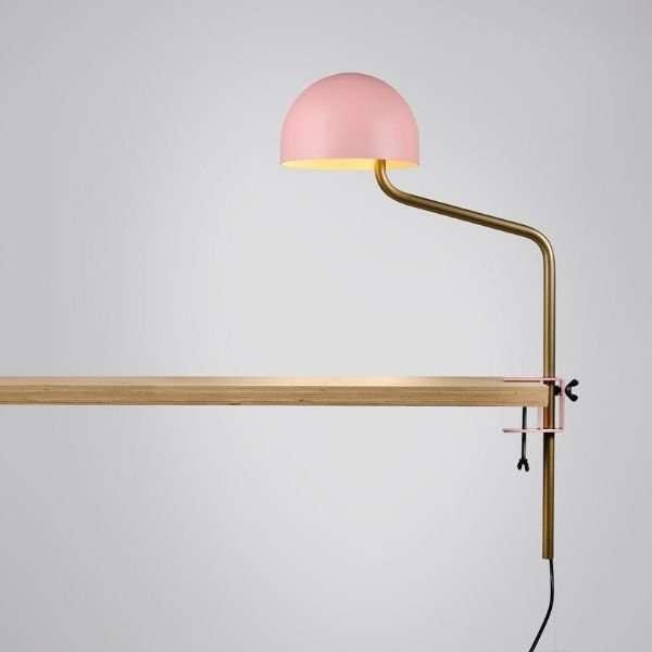 roze-wit-tafelklem-klemlamp-officer-revolt-BINK-leiden-lamp