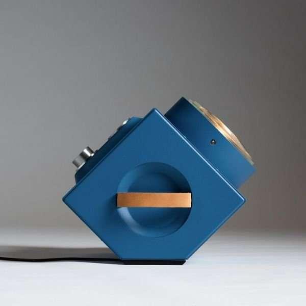 the-light-machine-blauw-revolt-bink-lampen-origineel