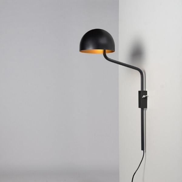 zwart-goud-officer-wandlamp-BINK-lampen-Re-Volt