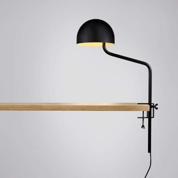 zwart-wit-tafelklem-klemlamp-officer-revolt-BINK-leiden-lamp
