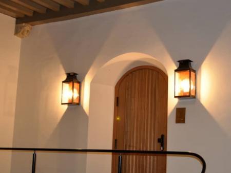 wandlamp-buitenhof-parlementsgebouw-den-haag-kaarslicht-koper-07