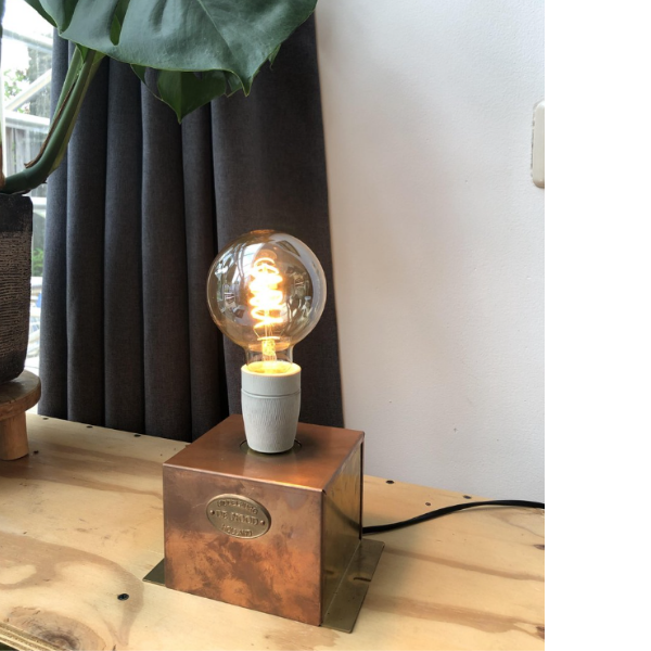 koper-hergebruik-lamp-tafel-openbare-verlichting-02