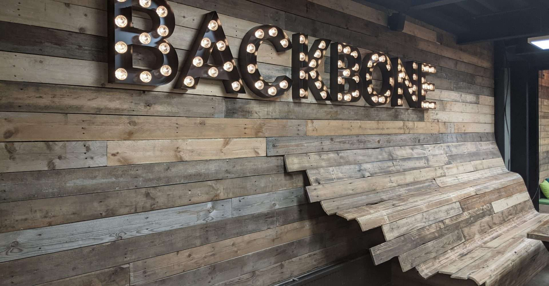 Backbone project oplevering letterlampen marquee lights