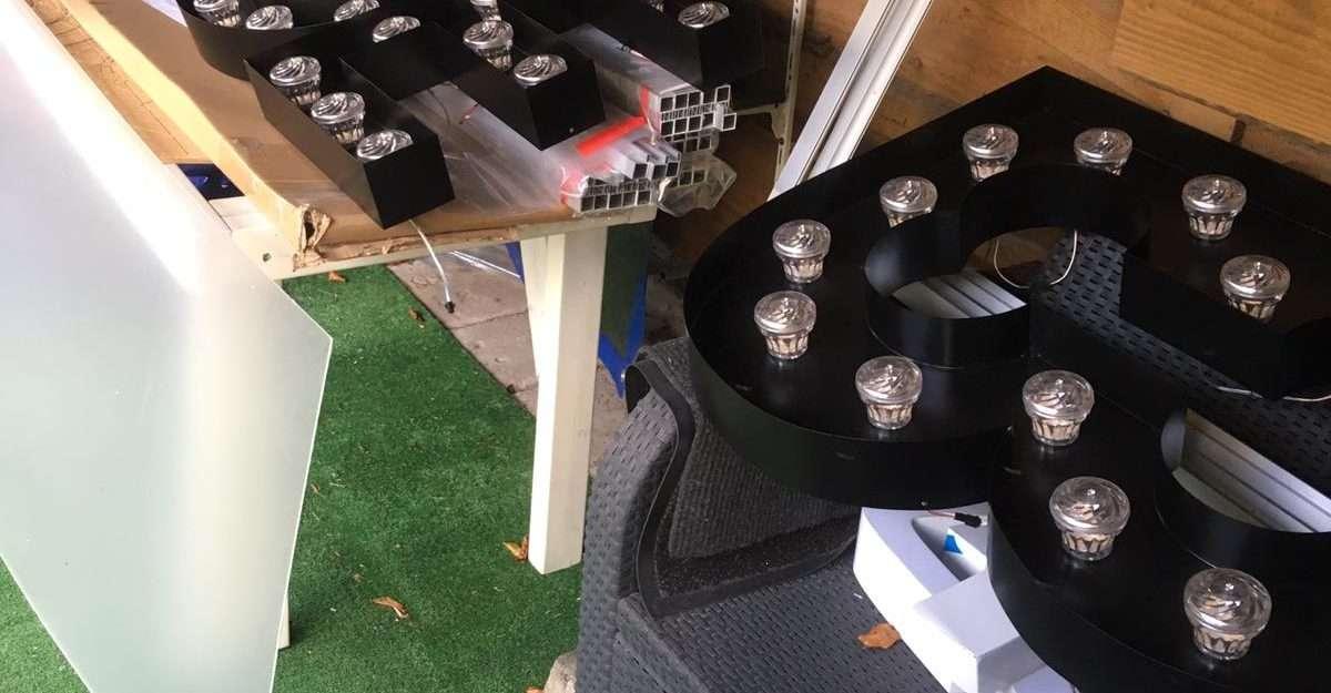 Backbone project oplevering letterlampen marquee lights 3