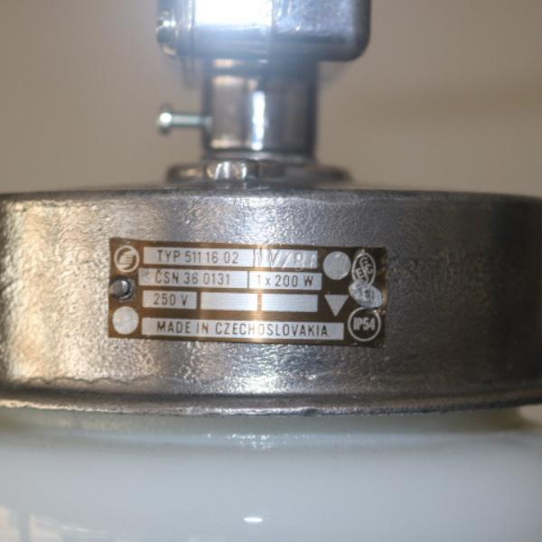 tsjechische_hanglamp_glas-melkglas_stolp_industrieel_BINK_lampen_02