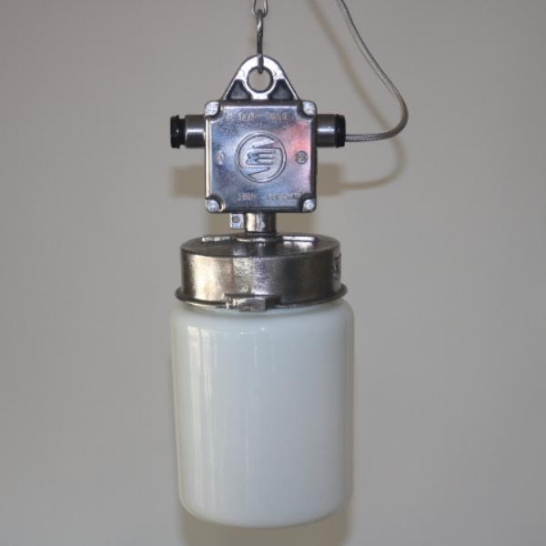 tsjechische_hanglamp_glas-melkglas_stolp_industrieel_BINK_lampen_05