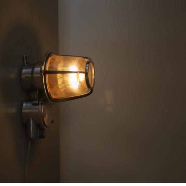 bunkerlamp_maritieme_lamp_vrachtschip_stolplamp_wandlamp_vintage_aluminium_BINK_lampen_08