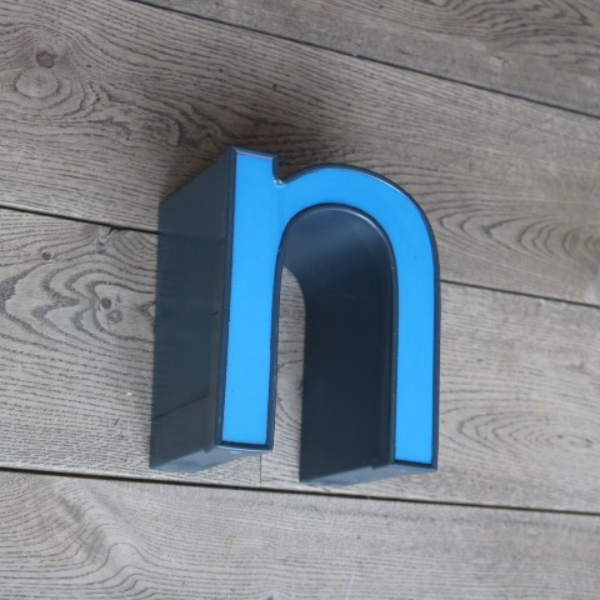 letterlamp-reclame-letter-u-n-08
